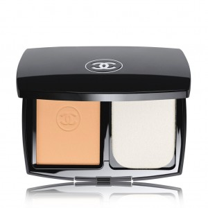 Chanel Le teint ultra tenue Ultrawear flawless compact fondation spf 15 No.30 beige